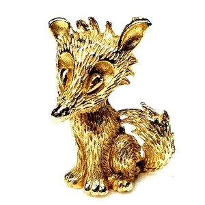Jewelry - Vintage Gold Dimensional Fox Brooch